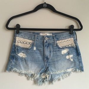Hollister high waisted shorts crotchet pockets